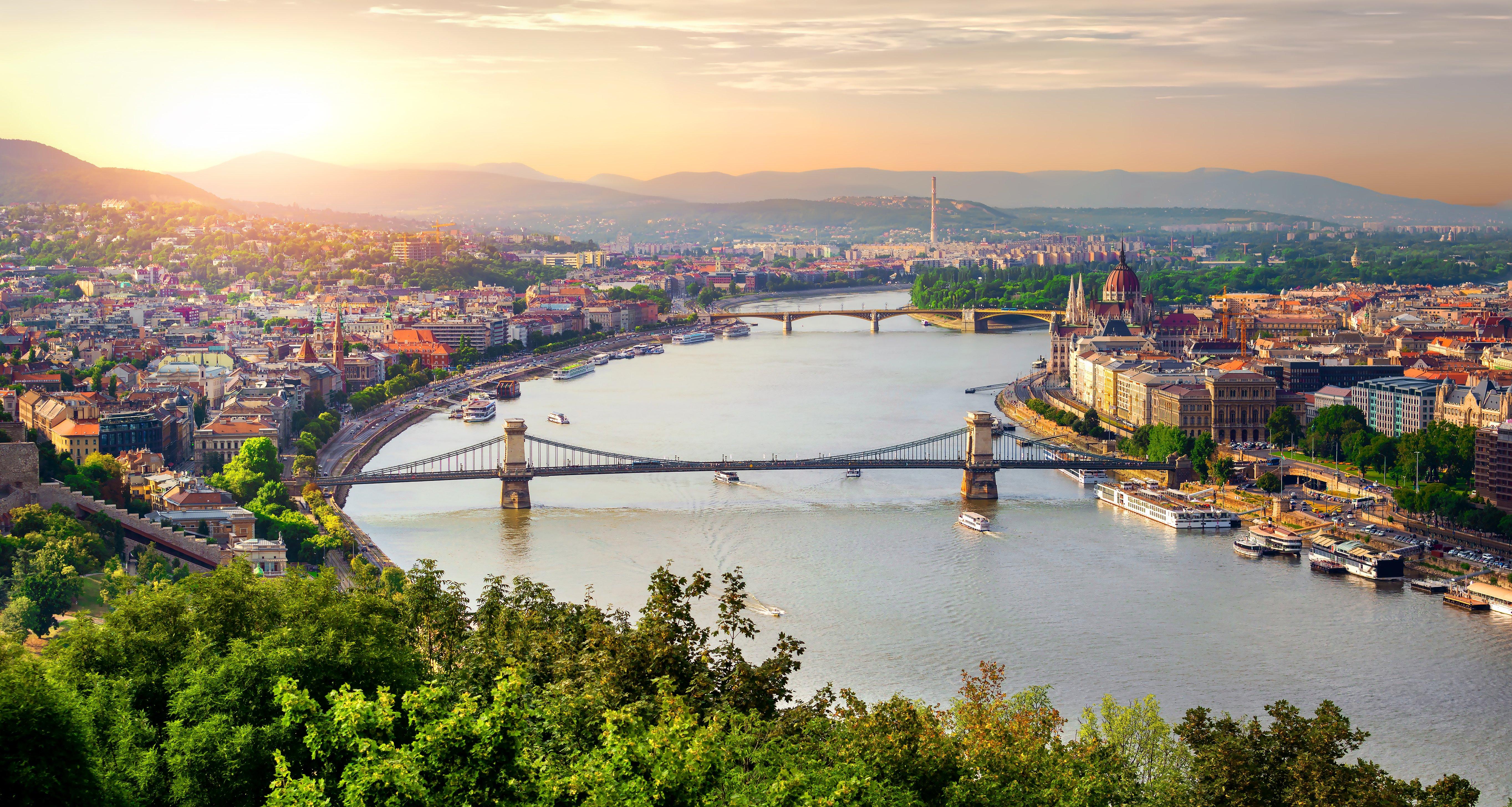 Budapest: 3 Nt City Break to Award Winning Hotel w/Flights
