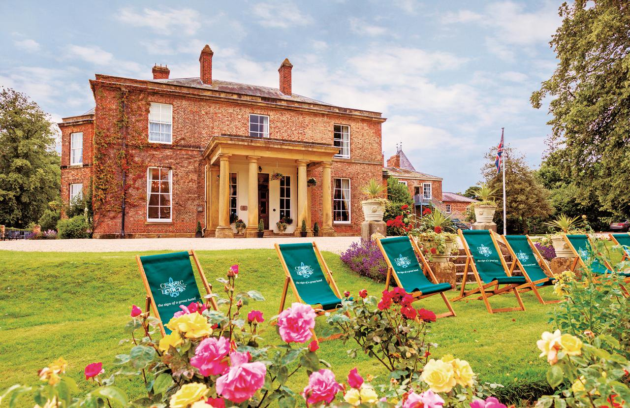 North Yorkshire: 3* Stay with 2-Course Dinner and Cream Tea