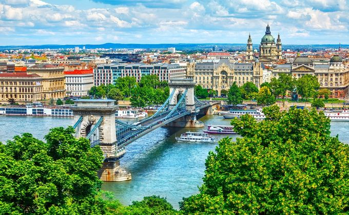 Budapest: 4 Star City Break w/Breakfast & Flights