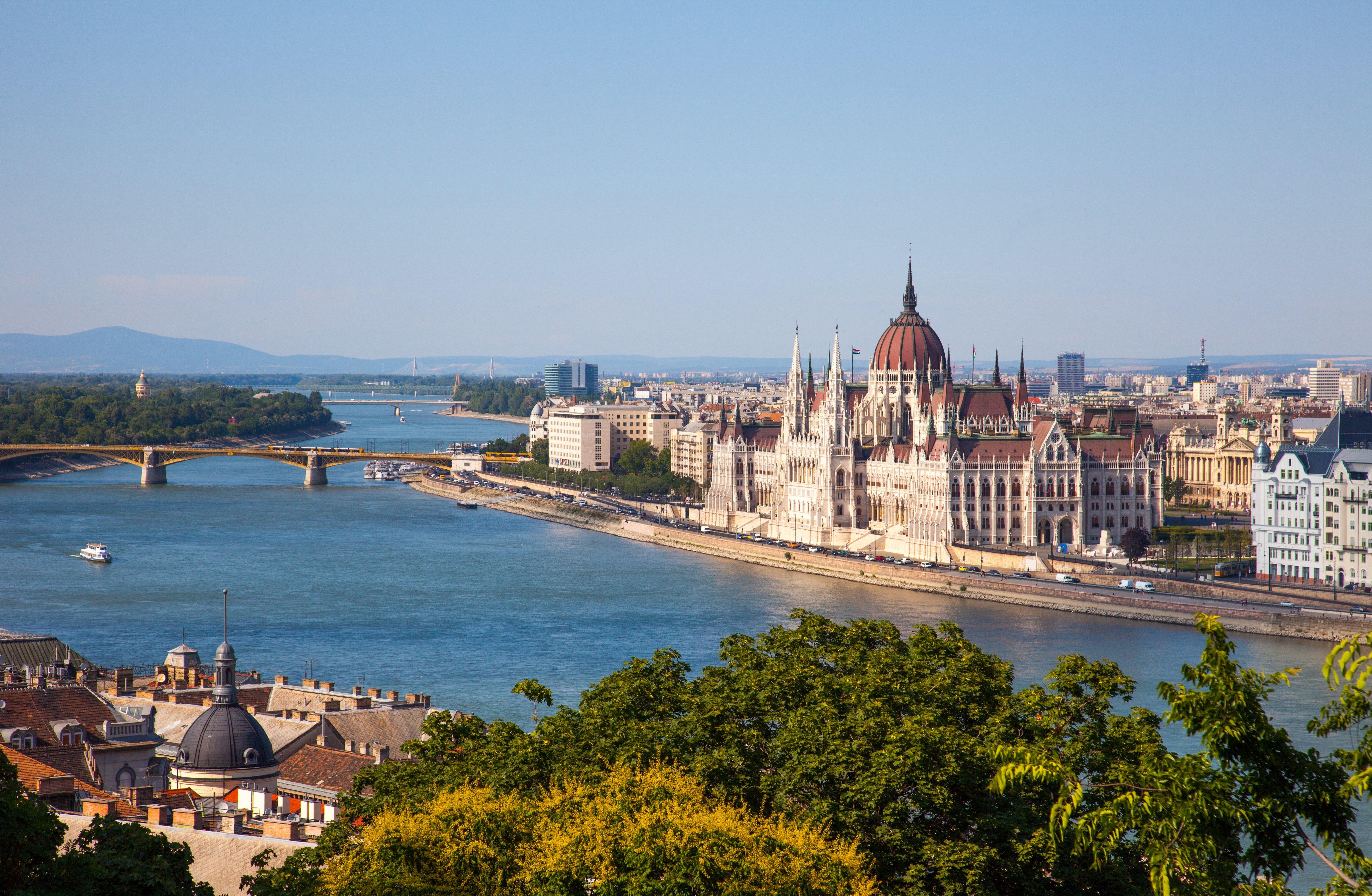 Budapest: 4 Star City Break Incl Breakfast & Flights
