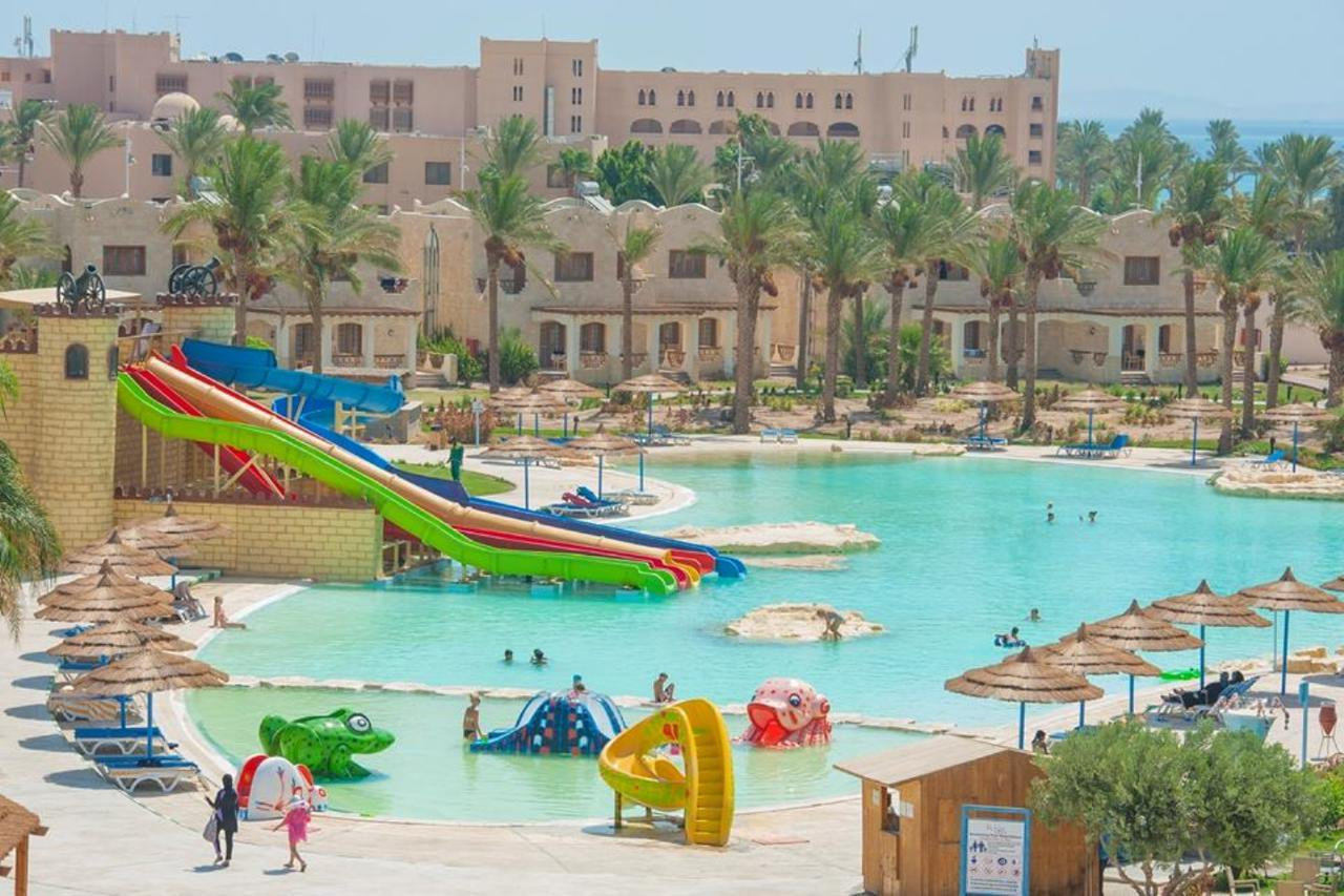 Hurghada: 5 Star All Inclusive Holiday to an Aqua Park Resort w/Kids Stay FREE