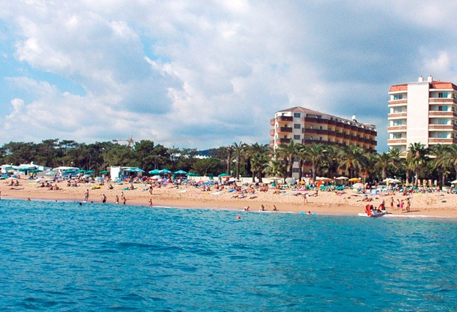 Costa Brava: 4 Star All Inclusive H.TOP Holiday w/Kids Stay FREE